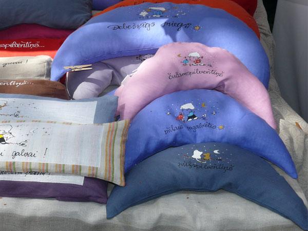 blue_pillows