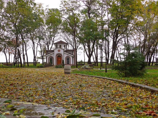 autumn_church